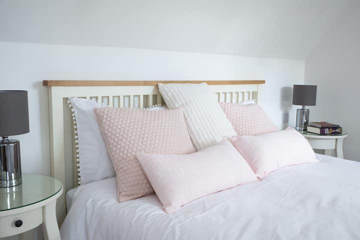 Luxury B&B room, near High St & Sevenoaks School