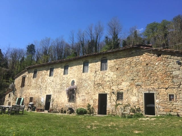 500 year old Tuscan Farmhouse on 5 acres fabulous