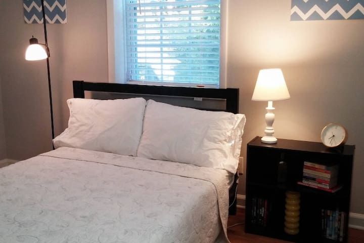 Dog-Friendly, Private Bedroom in Decatur - Decatur - Haus