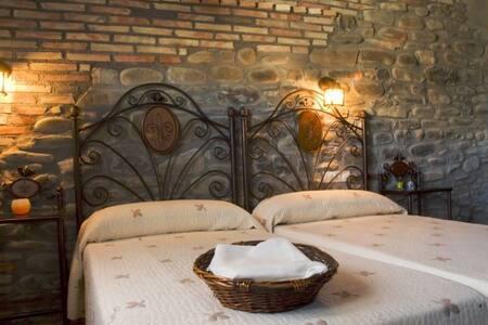 Apartamento para 6-8 en entorno rural del Pirineo