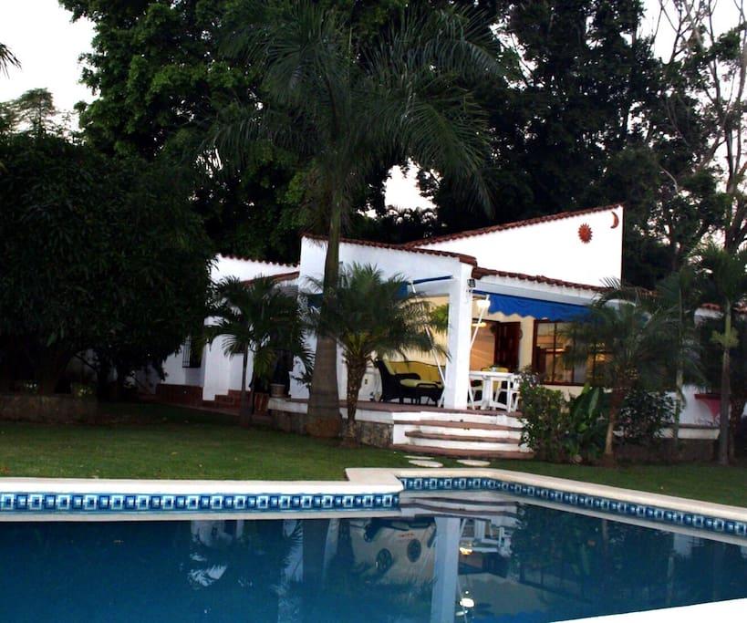Villa arbolada a 80 km de cdmx hermoso jard n houses Jardin villa serrano cuernavaca