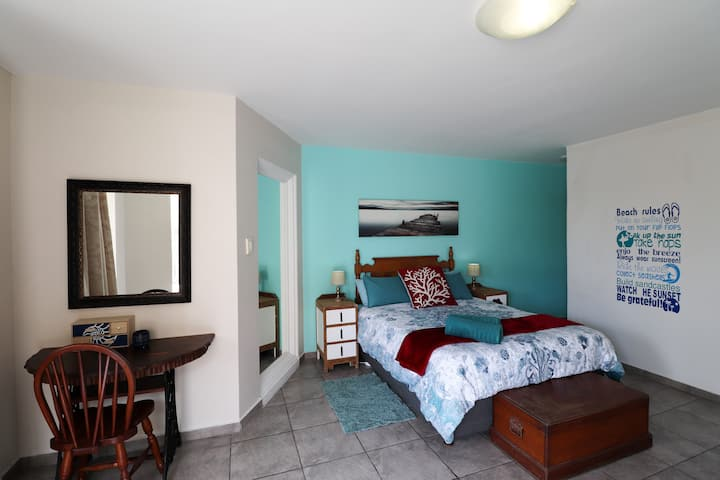 Seabreeze Accommodation  Ensuite Room