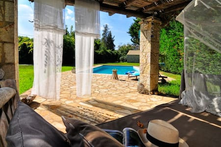 Sweet villa with pool near Lefkimi - Corfu - Lefkimmi - Villa