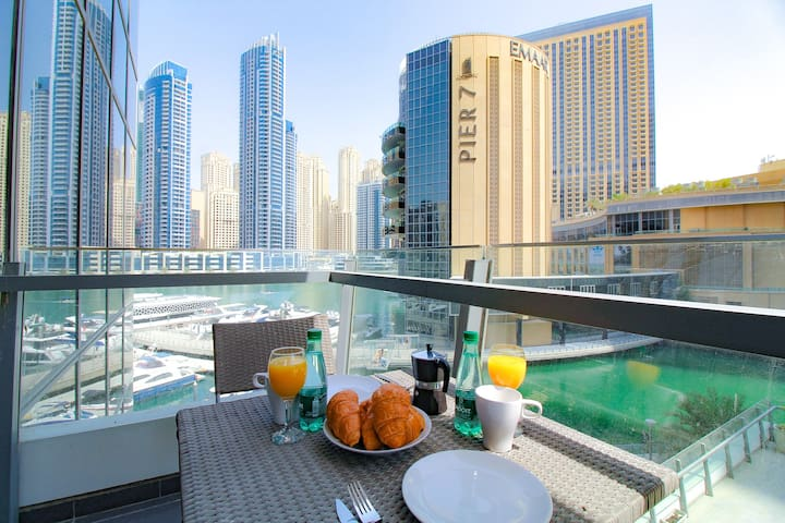 LUX | Marina Side Residence