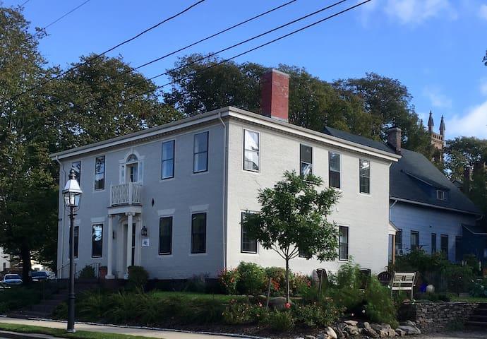 Captain William Richmond House