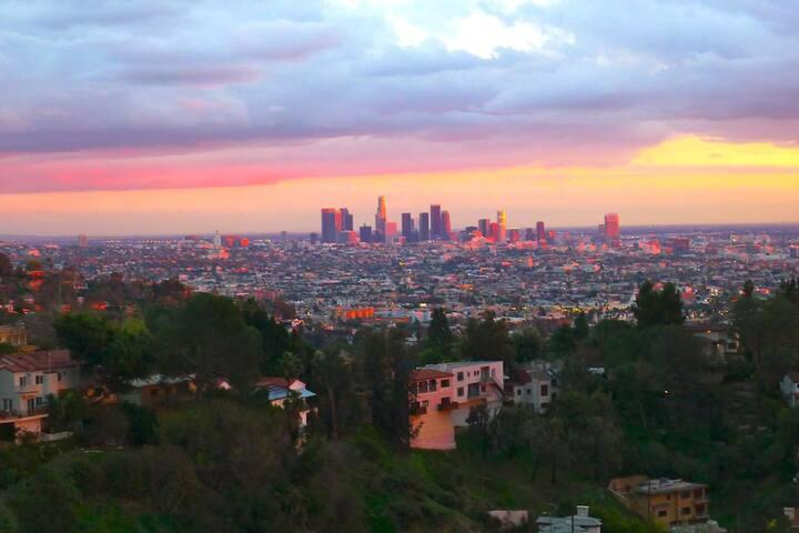 Hollywood Hills City View Studio