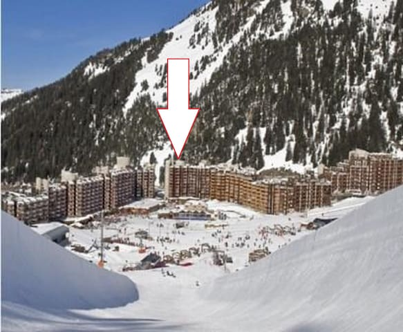 2 SKI APTS for 7-12 WiFi, Bed Linen & Towels