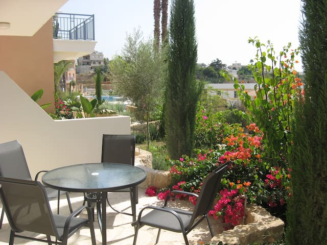 Paphos Luxury Apartment on Exclusive Gated Complex