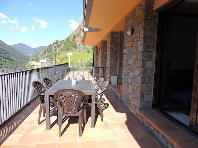 Apartamento tranquilo en la montaña WIFI y terraza - L'Aldosa de la Massana - Apartment
