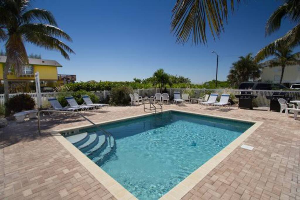 Anna Maria Beach Place, Unit 6 - Image 1