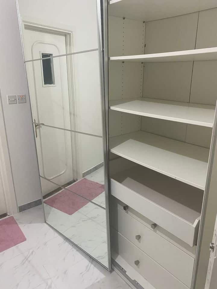 Very clean Ensuit room for rent (private bathroom)