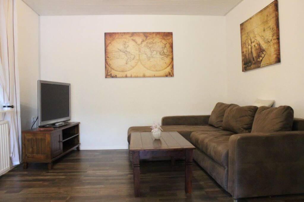 Wohn/Essbereich mit Schlafcouch