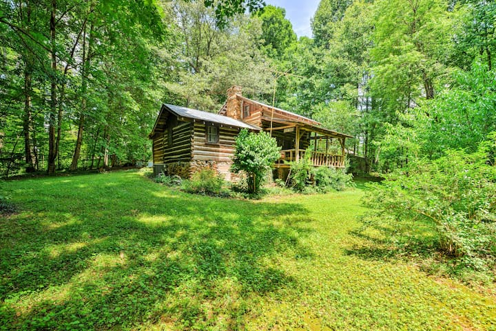 Private & Cozy 2BR Dobson Cabin on 6 Acres of Land