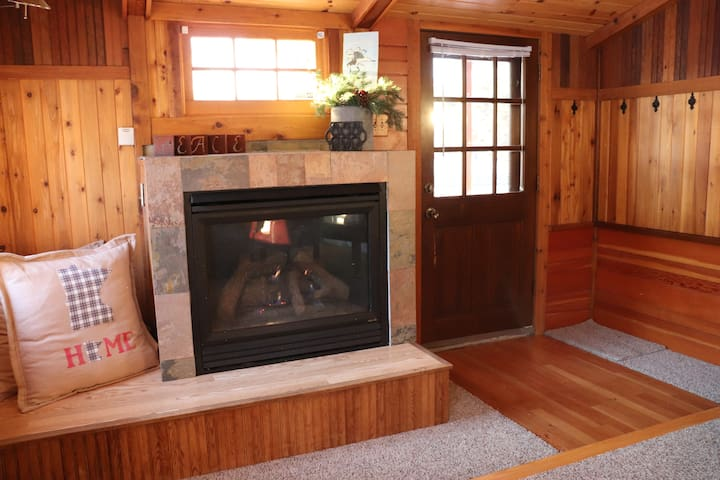 Reading nook with gas fireplace