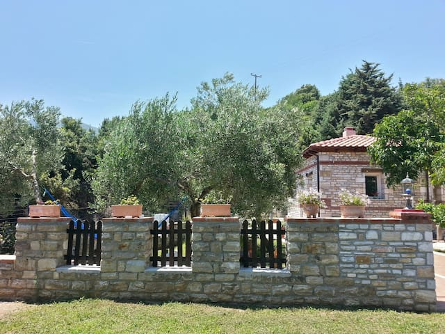 two bedroom private house in a farm - Kinira - House