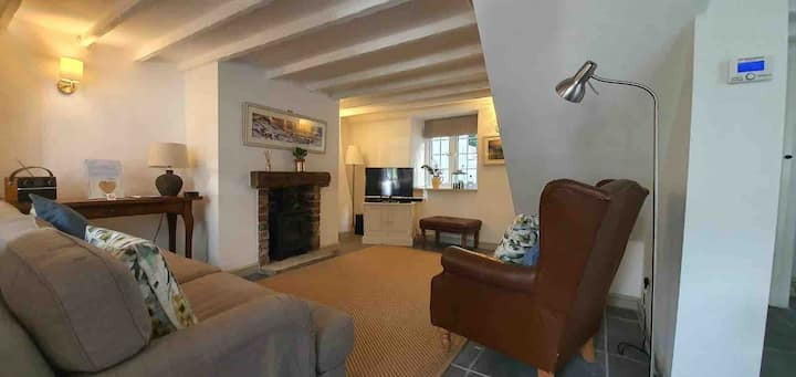 New luxury cottage in the centre of Castleton .