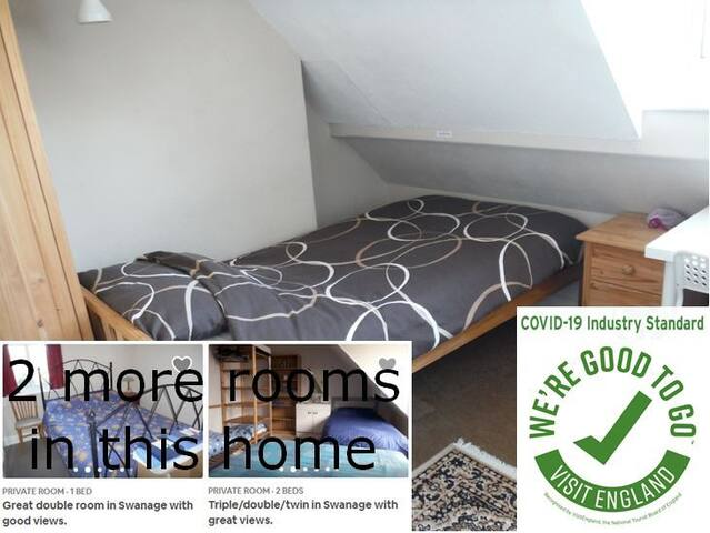 Bright single room in Swanage with great views.