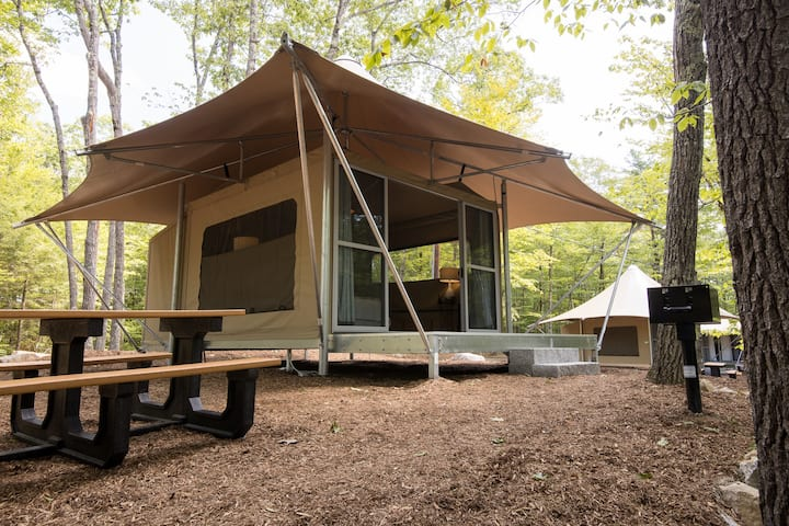 Point Sebago Resort - The 'Mainer' Glamping Tent