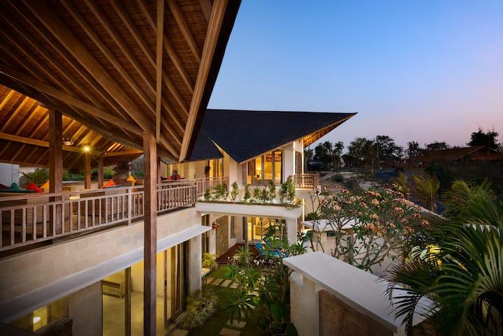 Luxury retreat by the balangan beach