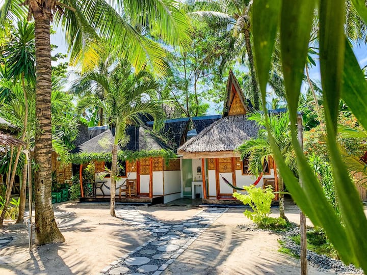 Presko Siargao Bungalow with Garden View