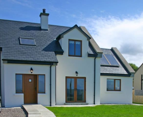 Cottage 326 Tullycross, Renvyle - Tully - Rumah