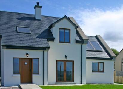 Cottage 326 Tullycross, Renvyle - Tully