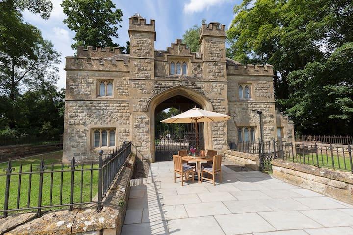 Castle Gatehouse, Sudeley Castle, Cotswolds