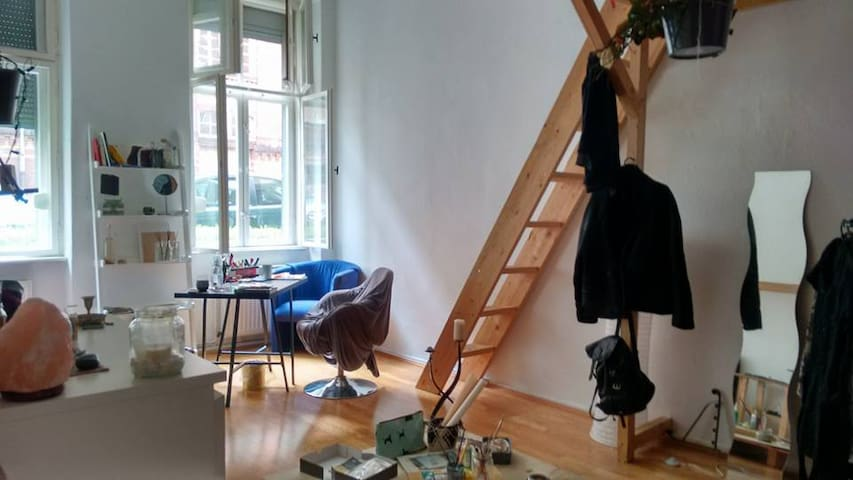 Amazing 2 rooms Apartment Weissensee, Berlin. - Berlijn - Appartement