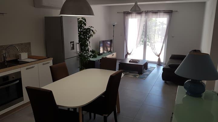 Appartement  sur cours  à 5 km  Baux de Provence