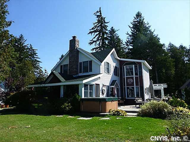Waterfront home in 1000 Islands - Ogdensburg
