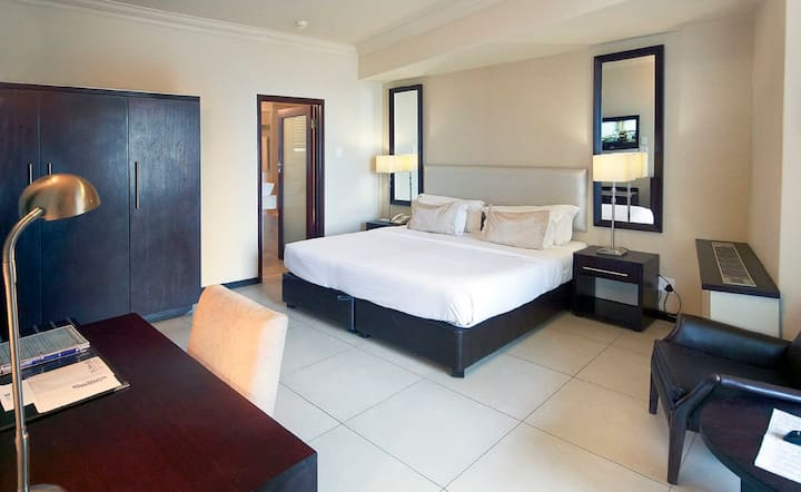 Blue Waters Hotel -  Executive Family Suite