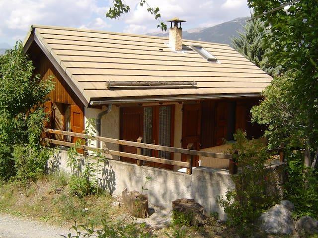 Chalet du Pibou - Risoul - Hytte (i sveitsisk stil)