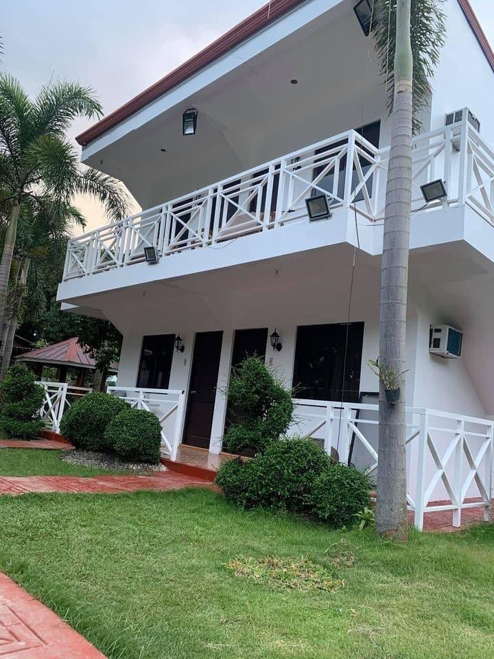 Bahay Kawayan Private Resort