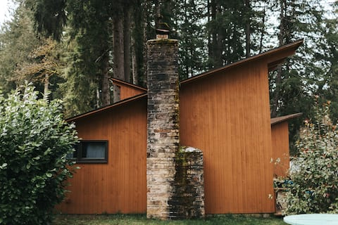 LOLOMA LODGE - Riverfront Cabin #3