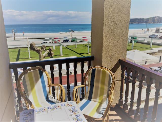 Comillas primera línea de playa con garaje - Comillas - Apartamento