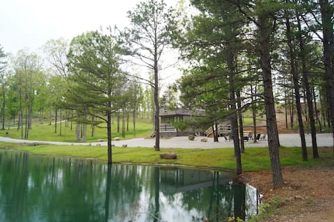 The Valley Getaway Cabin: