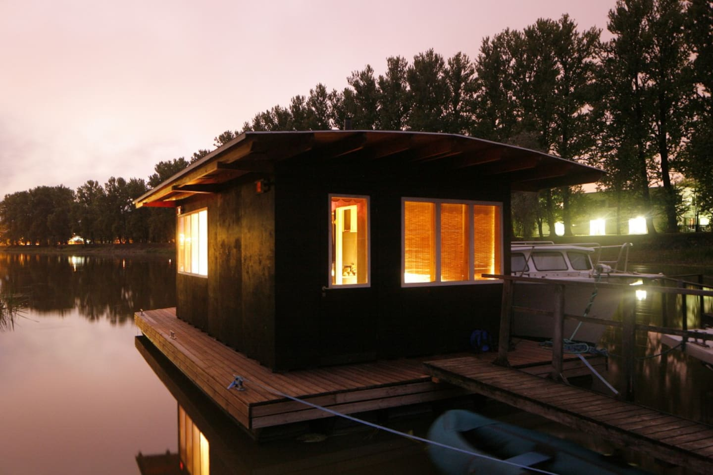 Floating sauna on river Emajõgi