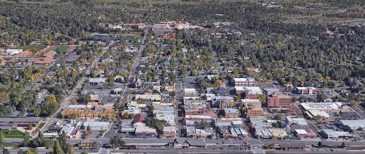 Downtown Flagstaff - 3 Bedroom Stylish Townhome