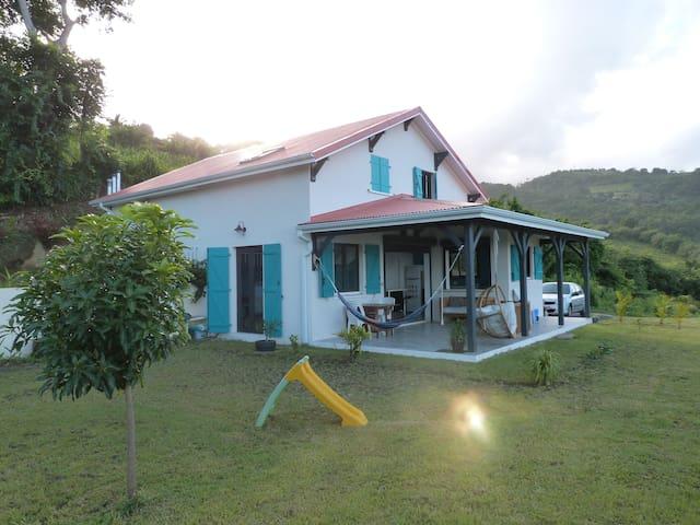 Villa paisible entre mer et montagne