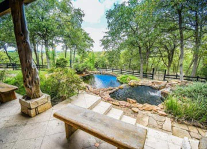 66acre Luxury Ranch w Views Lakes & Walking Trails