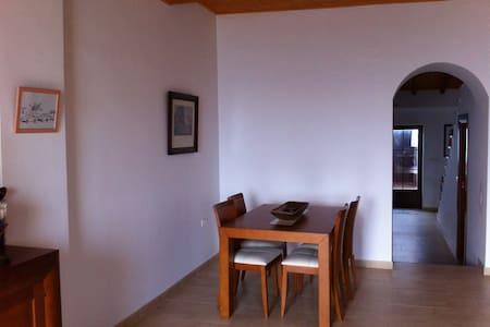 Preciosa casa frente al mar en Torrenueva. - Torrenueva