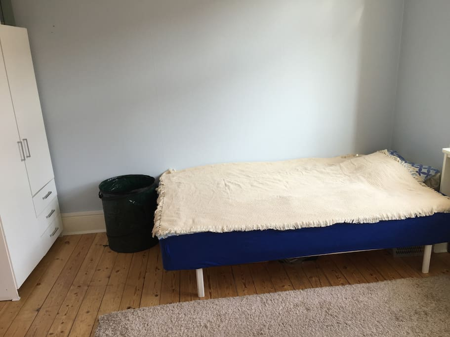 A privet room with dabble bed for 1 or 2