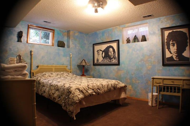 Portland Garden/Bedroom B/West Hills