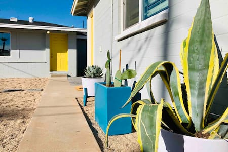 Quaint Casita 5 min. from the best of downtown PHX