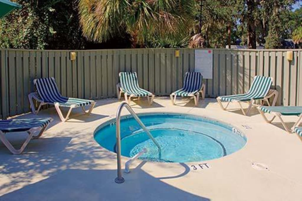 This is the hot tub - adjacent to the swimming pool!