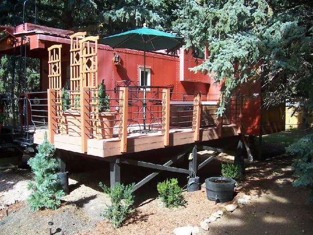 Blue Spruce Inn & Caboose - Cascade-Chipita Park