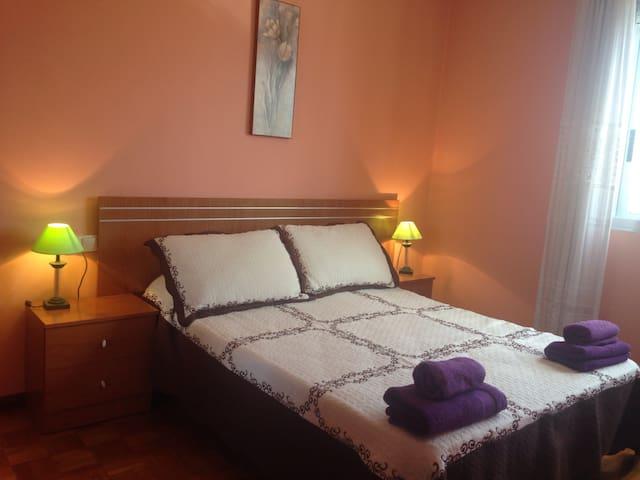 Habitación, T.V/Wifi - Ourense - Daire