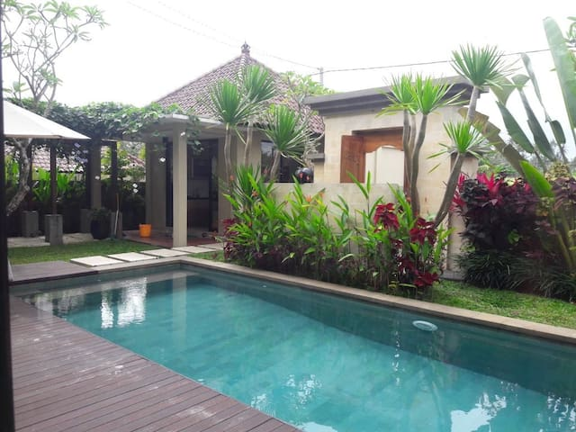 Amanda Ubud, Stunning 3BR Private Villa with Pool