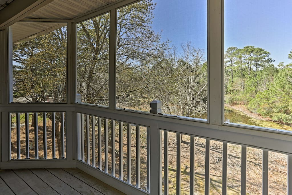 With 1 bedroom and 1 bathroom this St. James Plantation condo is perfect for 4.