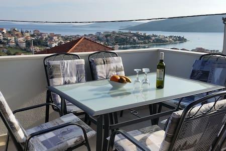 Apartments Plejic 2 - Seget Vranjica - Daire